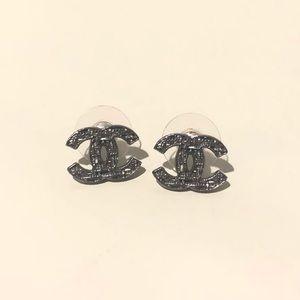 CHANEL Jewelry - Genuine Chanel CC earnings in gunmetal